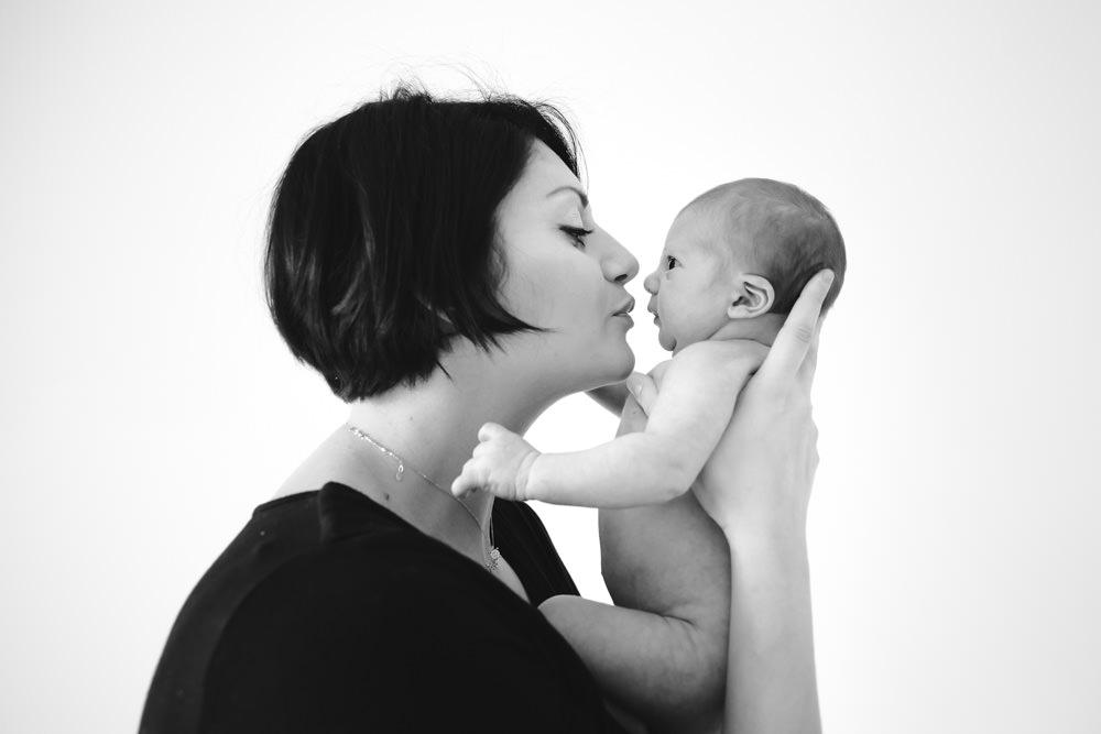Fotografo newborn Larciano