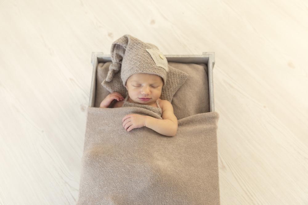 Fotografo newborn Firenze - L'importanza di un fotografo esperto nello stile newborn