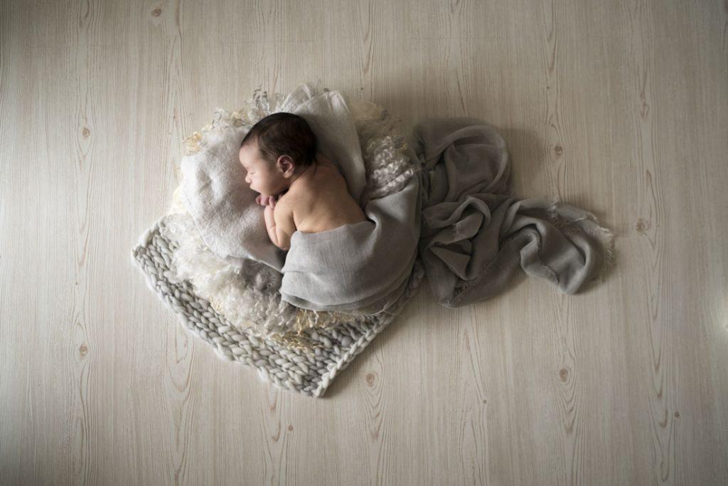 Fotografo newborn Lucca e  fotografo neonati Lucca